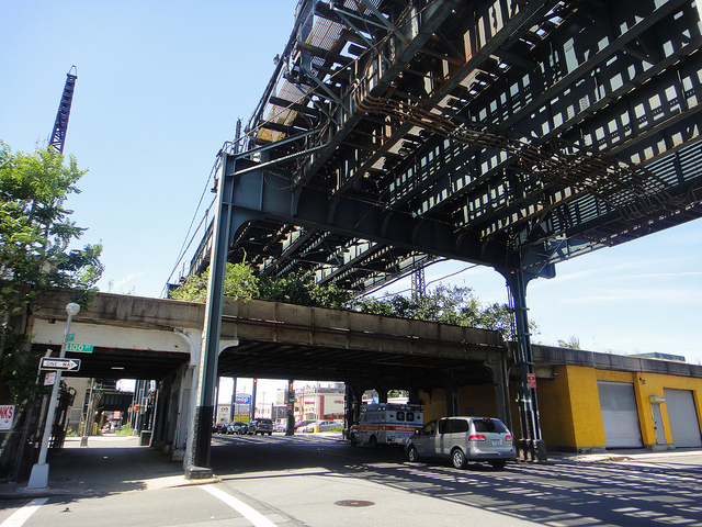 A Train tracks running above the LIRR Rockaway Branch via quiggyt4