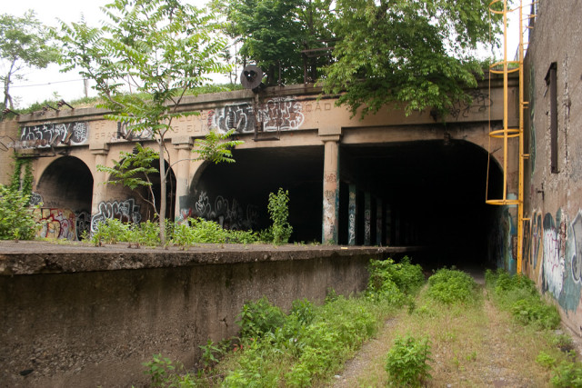 Abandoned LIRR East NY station showing the tunnel portal which runs below Broadway Junction.  This could be rehabilitated to serve L train service.